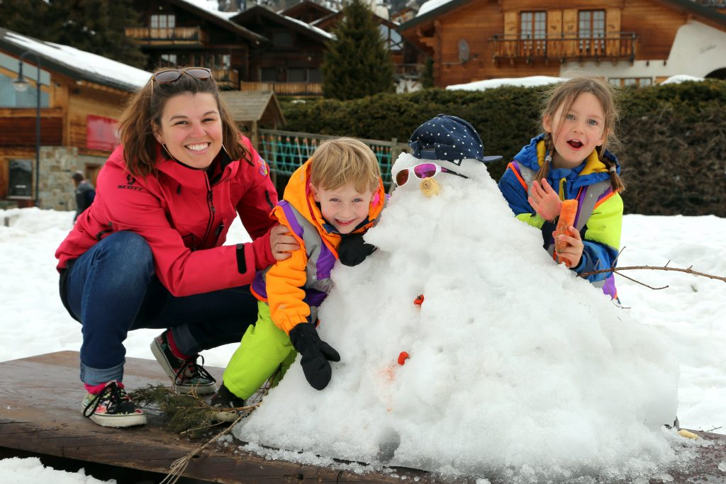 Petit Verbier nanny entertaining the children in the snow! A great seasonal job!